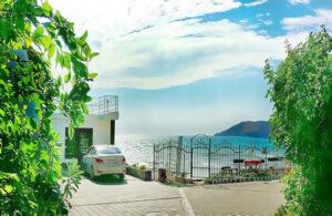 Эллинги на берегу моря 1 этаж с видом на море.