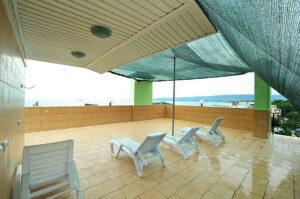 Эллинги Феодосии на берегу мор 2 береговая линия 5 этаж место для отдыха.