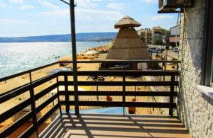Эллинг на берегу песчаного пляжа двухкомнатный 2 этаж в Феодосии