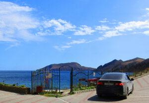 """Эллинг """"Катран"""" в Орджоникидзе номер студия с кухней выход у пляжа на 5 человек. На берегу моря."""