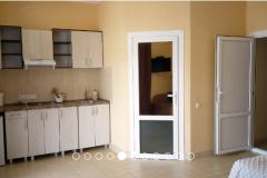 Эллинги Орджоникидзе Хелинг Двухкомнатный 2 этаж фото комнаты на сторону гор кухня в 1 — копия