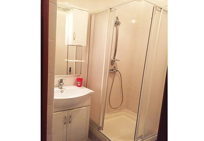Аренда квартиры в Феодосии двухкомнатная люкс 2 этаж. (7)