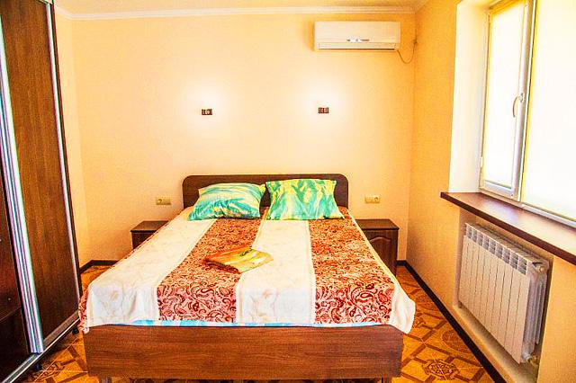 Гостиница в Феодосии рядом с морем в центре города. (15)