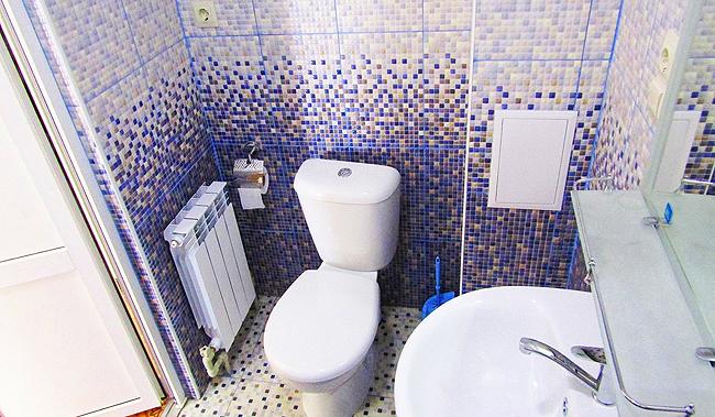 Гостиница в Феодосии рядом с морем в центре города. Фото что есть в в туалете (2)