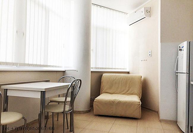 Однокомнатная квартира судия на 2 человека Феодосия Черноморская набережная 3 на берегу моря. (3)
