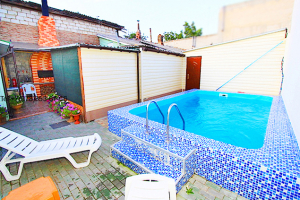 Снять в аренду дом с бассейном в Феодосии (9)