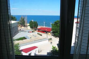 Феодосия Кварира на берегу моря 6 этаж. Мансарда (5) копия