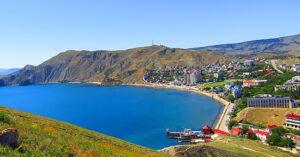 Эллинги на берегу моря в п.Орджоникидзе свой галечный пляж. Цены ,Фото, Видео.